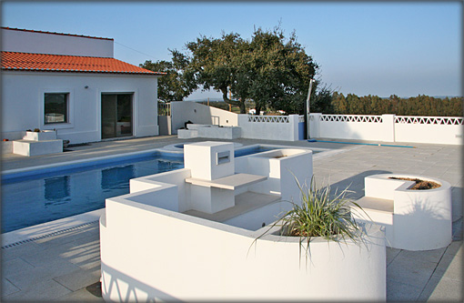 Villa Pool Seating
